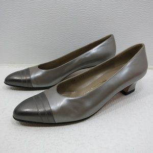Salvatore Ferragamo Florence Gray Silver Pumps 7.5